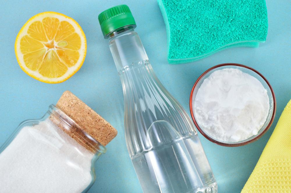 nettoyer four bicarbonate de soude et vinaigre